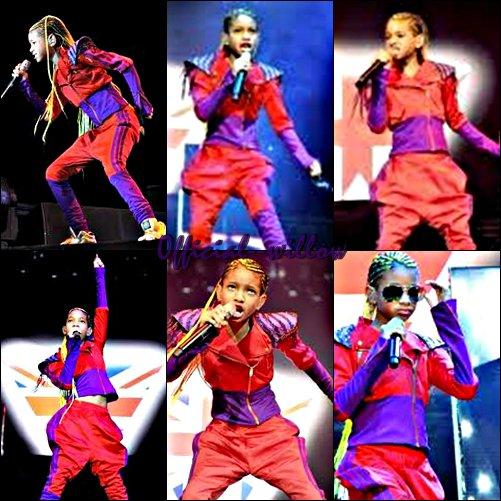 Willow  Smith au Men Arena  de Manchester Elle à mis tout simplement le feu. J'adore sa tenue & son orange fluo vous en pensez quoi ?.