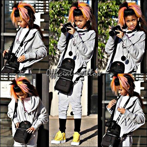 28/03/11  Willow Aperçut Faisans des photos au Paparazzi  et Vérifient Les photos :)  J'adore ses chaussures jaune tout comme son ensemble puis sa coupe magnifique.