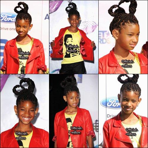26/06/11   Willow été Présente Au Bet Awards,Clique sur la 2ème photo pour voir Willow & Jaden recevoir leur! prix  Flashback J'adore comment elle est habillé surtout ses chaussures *Remarque y'a le visage de Will sur le tee-shrit ^^!