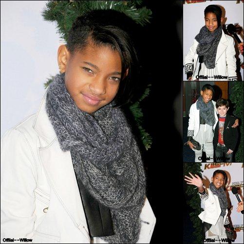 o3/12/11 l Willow été présente a l'évement [ Jingle Ball ] 20ll dans ( L.A )   Elle est magnifique j'adore ses chaussures ( ! )