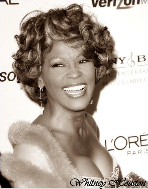 URGENT : Whitney Houston La chanteuse est actrice est décédeé , Je sais très bien que cet article aie complètement hors sujet mais je tenait vraiment à le mettre car sa me touche énormément Whitney était une grande source d'inspiration pour tout le monde elle à trouveé la mort ce Samedi 11 février à Beverly Hills ( L.A ) juste avant la grande cérémonie des grammy awards pour laquel elle était inviteé c'est vraiment un gros choc pour le monde entier un choc pour les stars comme : Mariah carey qui à déclaré sur twitter [ J'ai le coeur brisé et je suis en larmes après avoir appris la disparition choquante de mon amie, l'inégalable Whitney Houston ] notament Katy perry , Justin bieber , Britney spears  , Rihanna, La toya jackson , Avril lavigne , Miley cyrus des grandes stars..  .. la chanteuse se serait noyeé dans son bain une mort tragique mais Whitney est avec nous par penseé  elle est et resteras la DIVA .