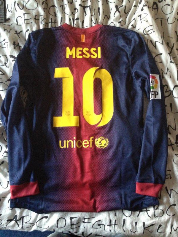 Maillot porté par Messi