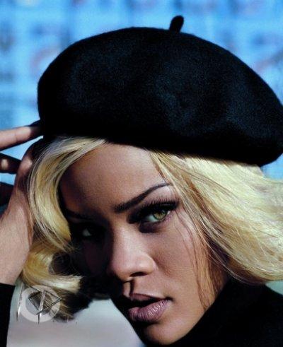 Vogue Novembre 2011 : Rihanna