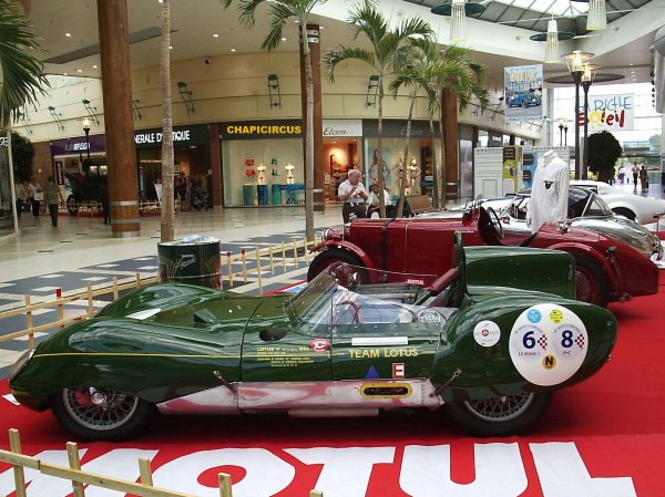 M52 - EXPOSITION VOITURES ANCIENNES