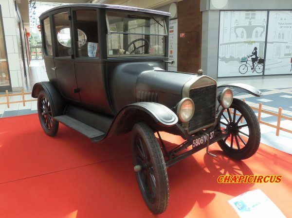 M122 - EXPO VEHICULES ANCIENS