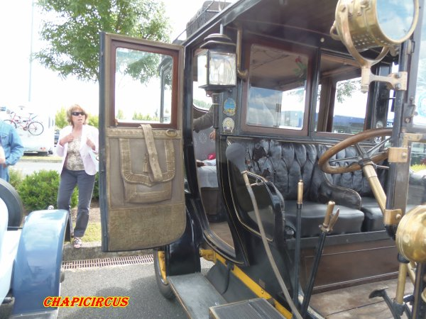 M126 - EXPO VEHICULES ANCIENS