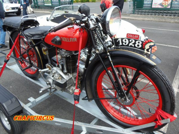 M129 - EXPO VEHICULES ANCIENS