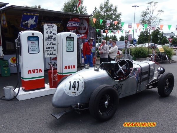 M137 - EXPO VEHICULES ANCIENS
