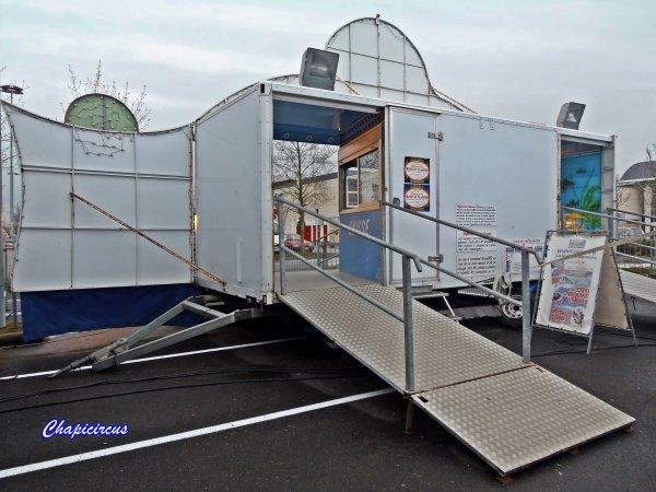 G3690 - AQUATIC SHARK A TOURS-LA RICHE.