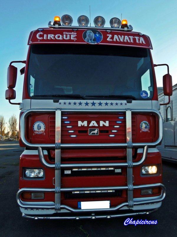 G4119 - CIRQUE CLAUDIO ZAVATTA en quartiers d'hiver.