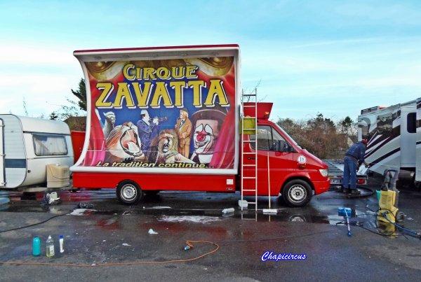 G4130 - CIRQUE CLAUDIO ZAVATTA en quartiers d'hiver.