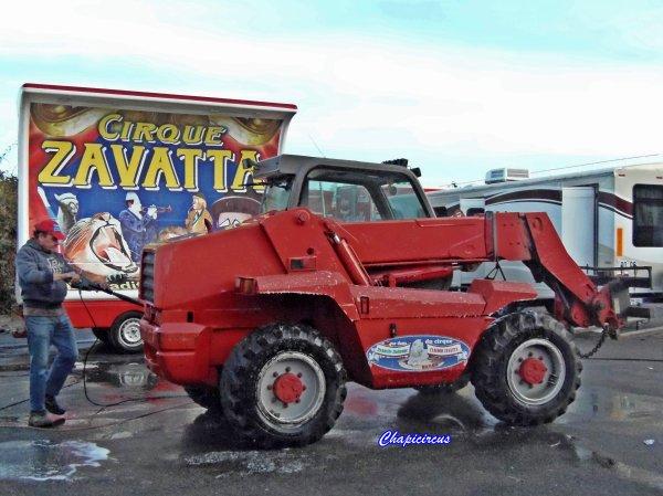 G4131 - CIRQUE CLAUDIO ZAVATTA en quartiers d'hiver.