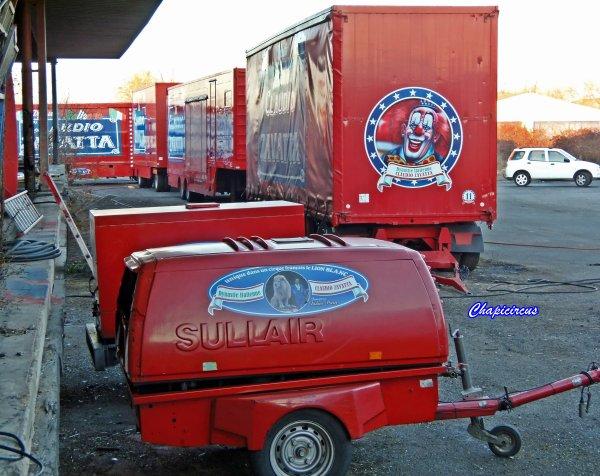G4145 - CIRQUE CLAUDIO ZAVATTA en quartiers d'hiver.