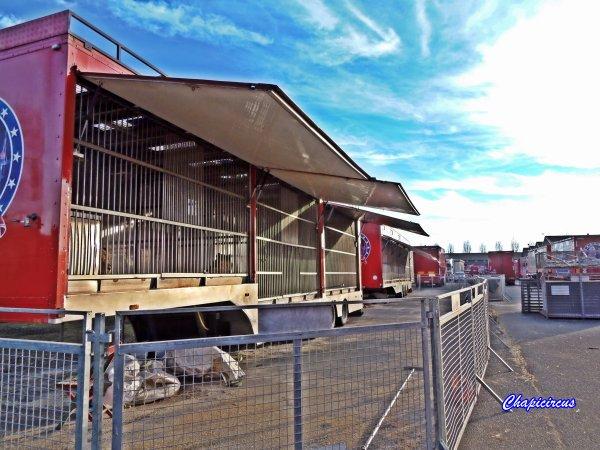 G4147 - CIRQUE CLAUDIO ZAVATTA en quartiers d'hiver.