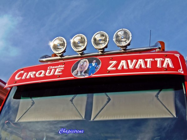 G4154 - CIRQUE CLAUDIO ZAVATTA en quartiers d'hiver.