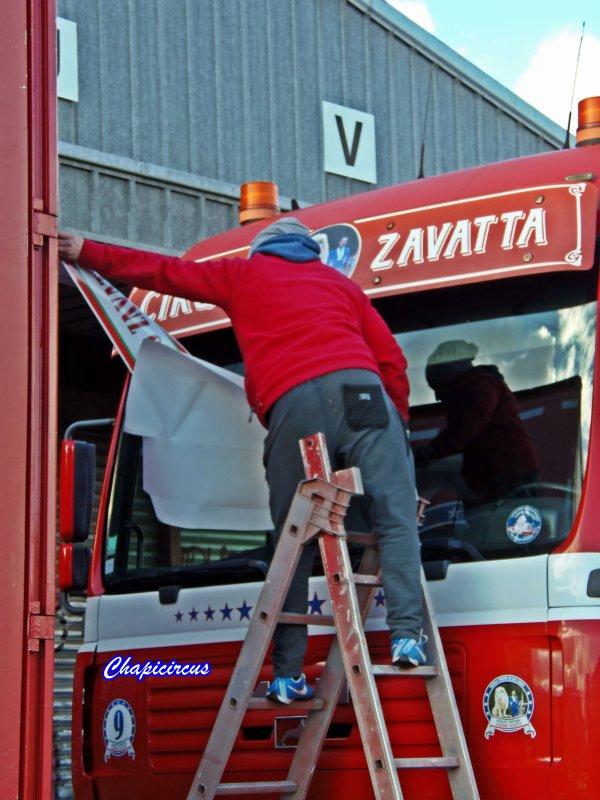 G4187 - CIRQUE CLAUDIO ZAVATTA en quartiers d'hiver.