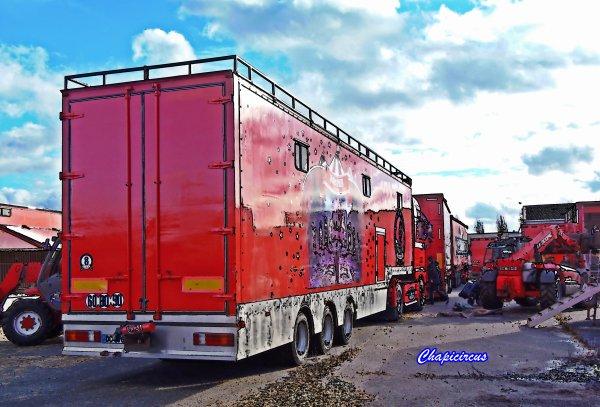 G4193 - CIRQUE CLAUDIO ZAVATTA en quartiers d'hiver.