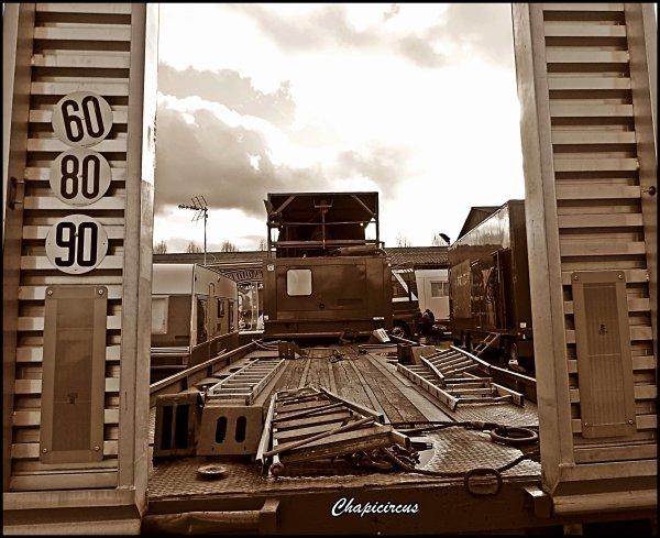 G4205 - CIRQUE CLAUDIO ZAVATTA en quartiers d'hiver.