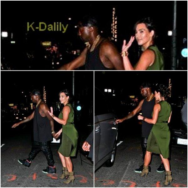 Lundi 30 juillet: Kim et son chéri ont vu dans les rues de New York dans la soirée