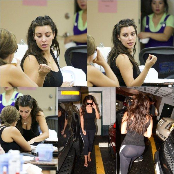 Mardi 7 août: Khloe ravissante, animait l'émission MDA Show of Strength à LA pendant que Kim était à son salon de manicure favorit à Berverly Hills