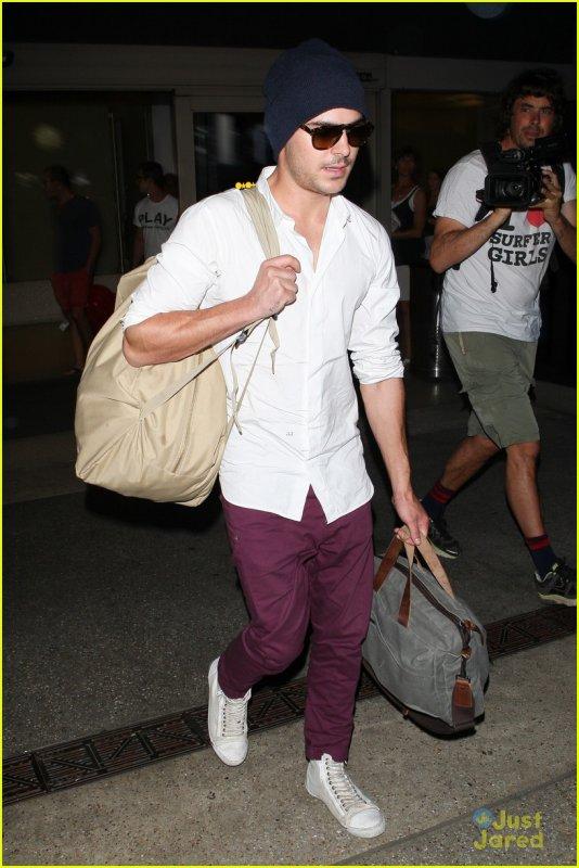 Zac est rentré à Los Angeles