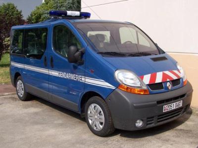 nouveau vehicule pour la gendarmerie le trafic je trouve qu 39 il et trop beau gendarmerie. Black Bedroom Furniture Sets. Home Design Ideas