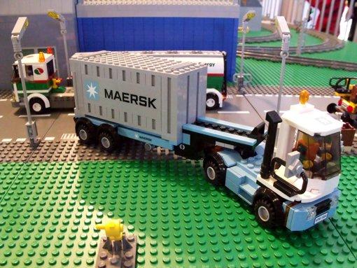 Le set star de la semaine: c'est bien le train Maersk 10219