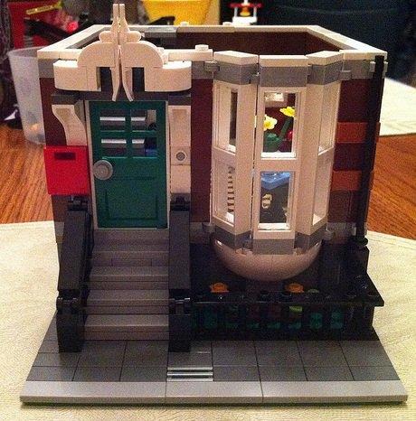 Nouveau set qui sortira le 10 mai 2011:Set 10218: la boutique d'animaux, 2032 pièces