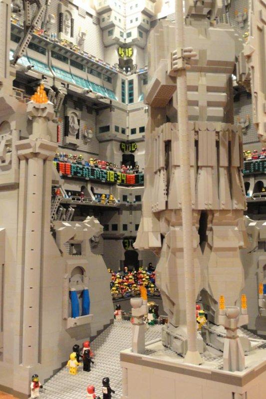 La garnison de la Moria restaurée … en Lego