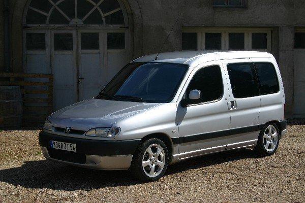 L'association FESTI'BRIQUES de Beaune cherche véhicule !
