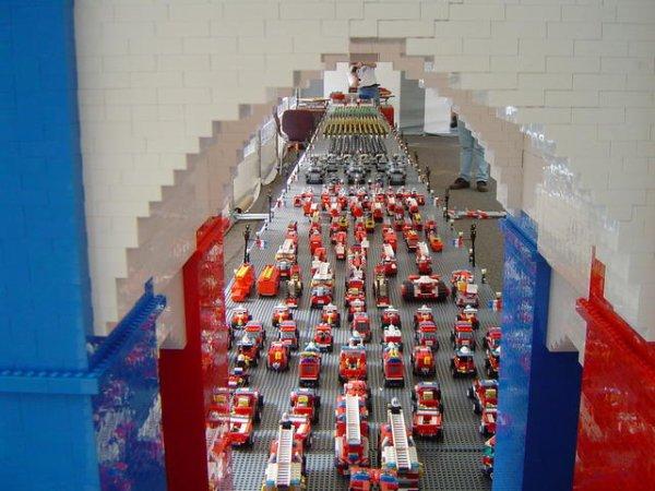 défilé du 14 juillet  des Festi'briques en ce jour du 14 juillet