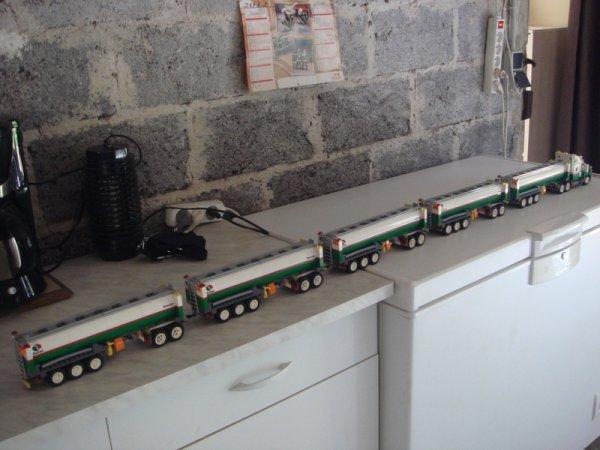 Après le train Lego le plus long, les Festi' s'amusent-ils avec la camion le plus long ? ?
