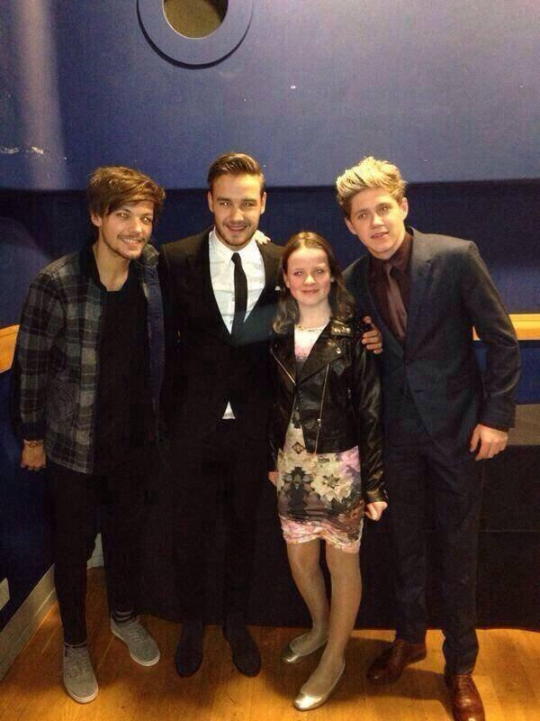 Niall <3 et Liam et louis <3  et avec une fan  1/12/2013