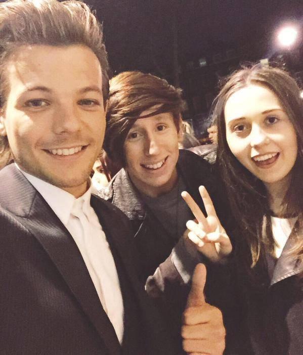 Louis et des fans à Londres♡❤