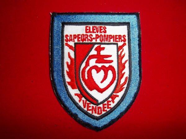ECUSSON ELEVES POMPIERS 85