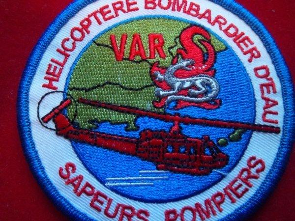 ECUSSON HELICOPTERE BOMBARDIER D'EAU VAR 83