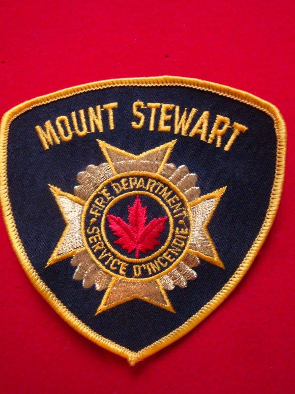 ECHANGE ECUSSON POMPIERS MOUNT STEWART CANADA CONTRE SAPEURS-POMPIERS FRANCAIS