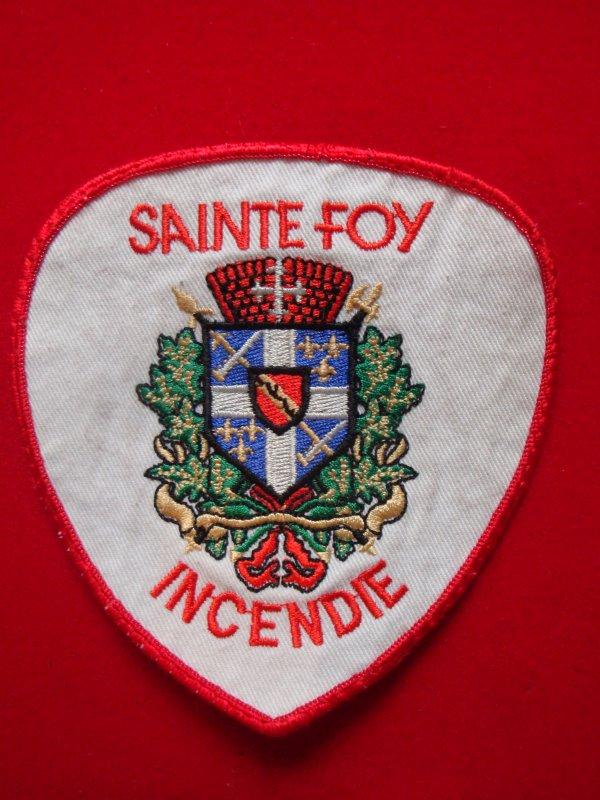 ECHANGE ECUSSON POMPIERS SAINTE-FOY CANADA CONTRE ECUSSON SAPEURS-POMPIERS FRANCAIS