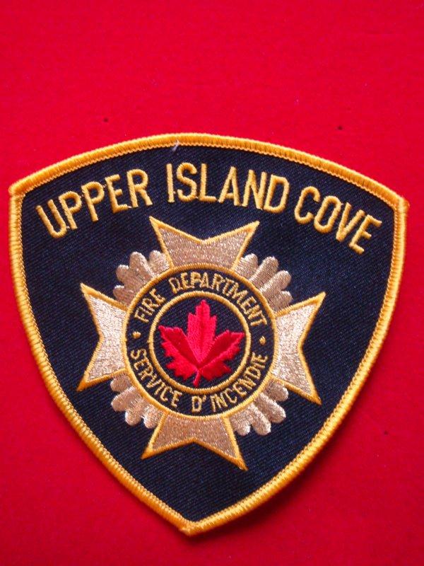 ECHANGE ECUSSON POMPIERS UPPER ISLAND COVE CANADA CONTRE ECUSSON SAPEURS-POMPIERS FRANCAIS