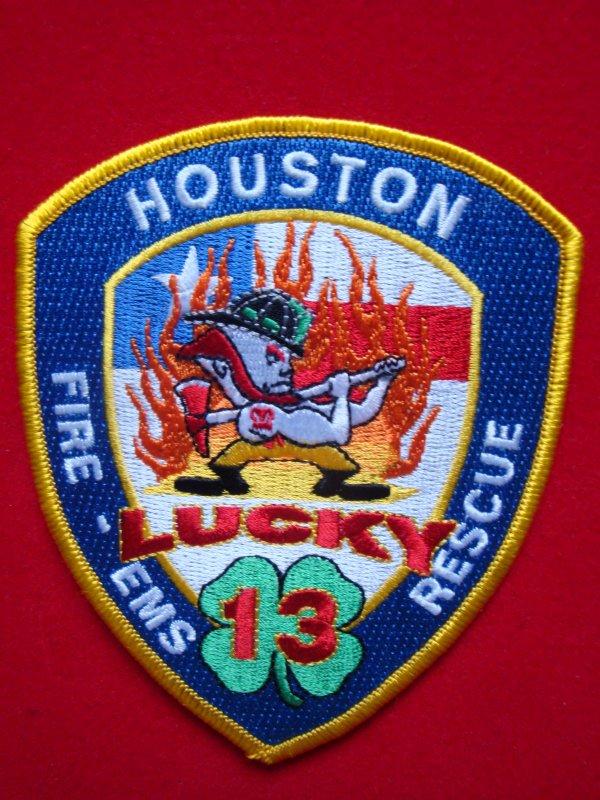 ECHANGE ECUSSON POMPIERS HOUSTON LUCKY-13 USA CONTRE ECUSSON SAPEURS-POMPIERS FRANCAIS