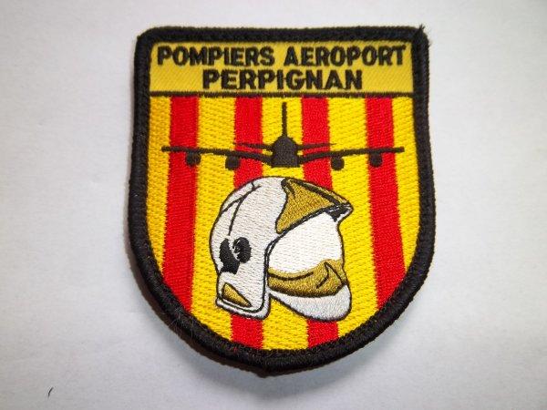 ECHANGE ECUSSON AEROPORT DE PERPIGNAN CONTRE ECUSSON POMPIERS FRANCAIS