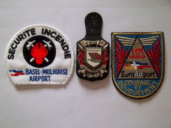 INSIGNE + ECUSSONS AIRPORT MULHOUSE 68
