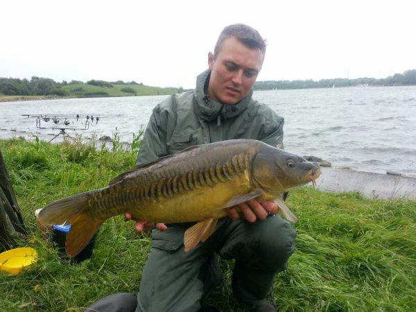 Belle péche en lac 13 departs 10 fish sur le tapis