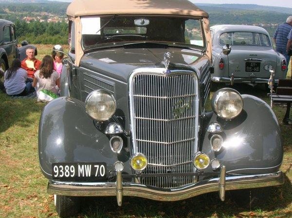 ...ET CETTE FORD TORPEDO V8 DE 1935 !