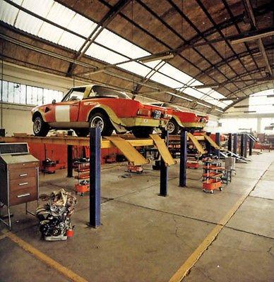 EN 1974 CHEZ ABARTH,DES SPIDERS EN COURS DE BODY-BUILDING ET BIENTOT PRET POUR LA COMPETITION ! !
