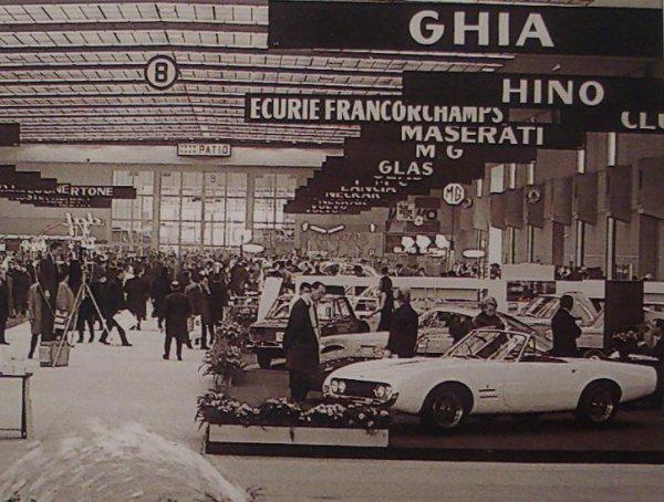 SALON DE L' AUTOMOBILE A BRUXELLE EN 1967.