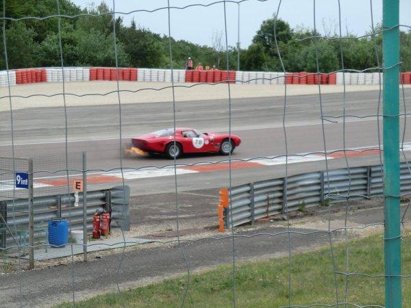 BIZZARRINI 5300 GT de 1965 CONTRE FERRARI 250 LM de 1964