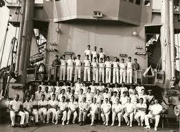 PHOTO FAITE EN 1985 DE GROUPE DU DERNIER EQUIPAGE DE L ARGENS .