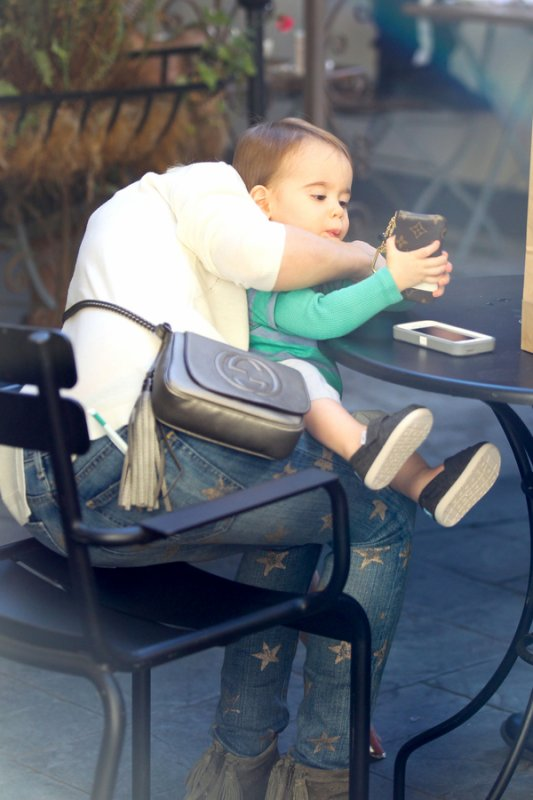 22.01. Sarah Michelle Gellar aperçut avec ses enfants !