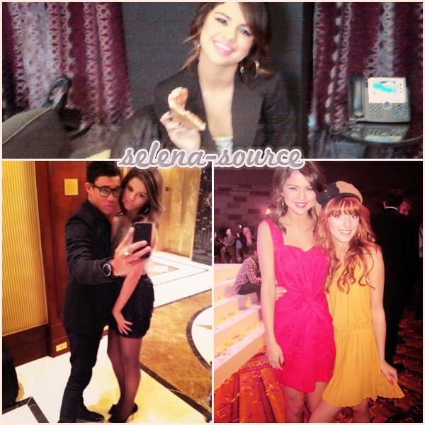 """-Event- Comme nous lavons écris au dernier article , Selena été l'invité sur le show MTV """" The Seven """", -Event''-le 16 mars 2011. Côté tenue : j'aime pas , le bust avec les lignes vertes = horribles , -Event''-il y a que la chemise qui est belle ( enfin après chacun ses goûts  ;) ) , un FLOP . Votre avis ?"""